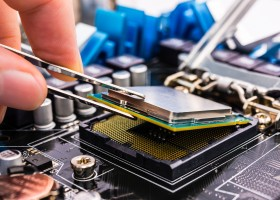 Why More & More Apprentices Are Attracting Towards Laptop Repairing Course?